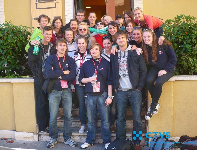 Volejbalová reprezentace školy na Euroroma 2013