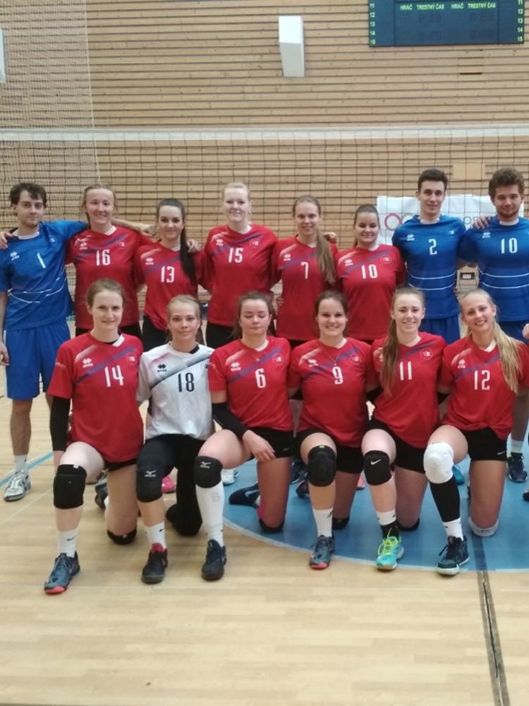 Reprezentační volejbalové týmy školy na kvalifikačním turnaji pro ČAH 2019