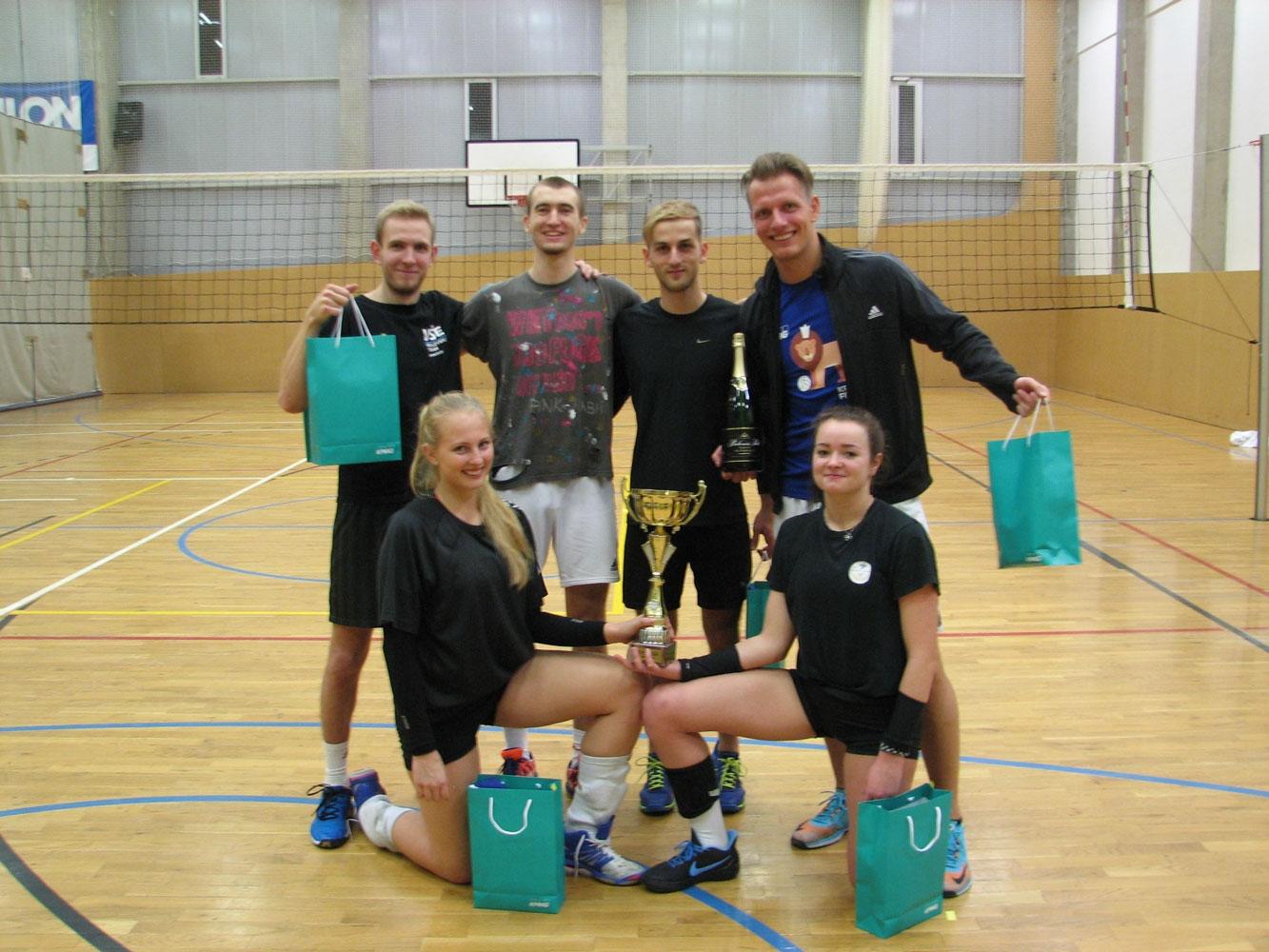 Volejbalové ukončení ZS 2017/2018 turnajem KPMG Fit Cup
