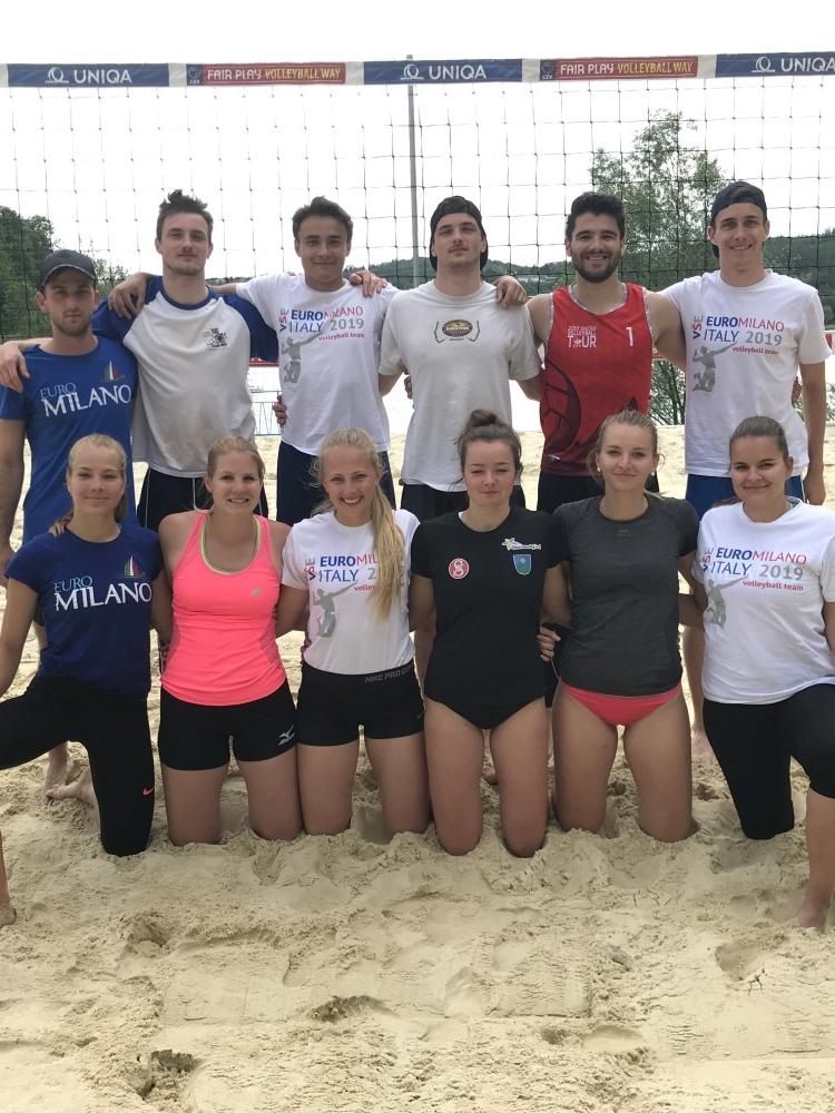 Úspěch studentů na Akademickém mistrovství ČR v plážovém volejbale smíšených dvojic