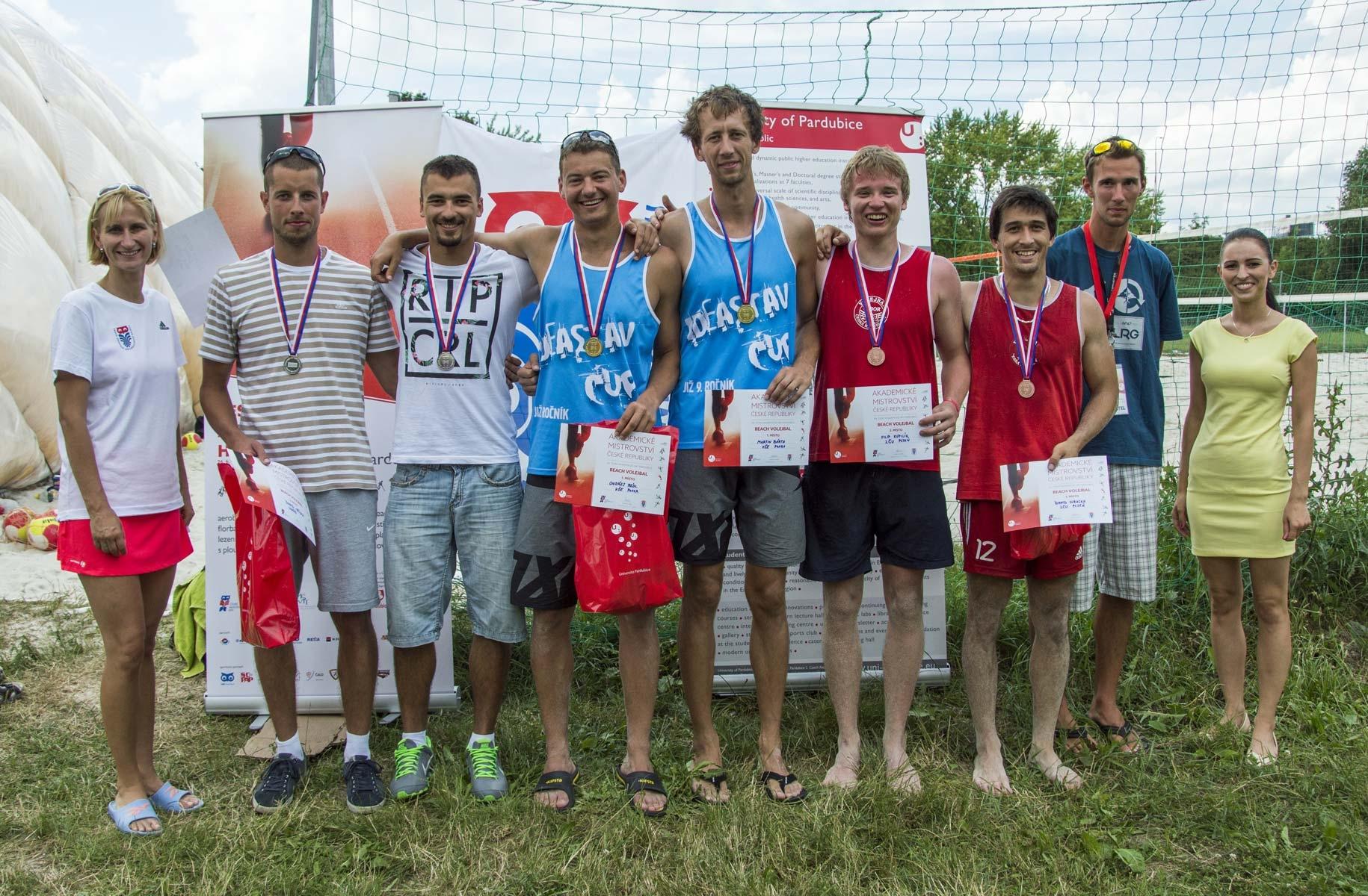 Volejbalová reprezentace VŠE - Beachvolejbalisté ČAH 2016