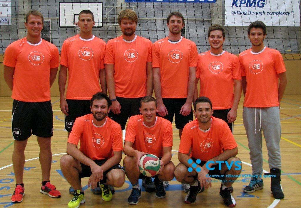 Hráči FMV - Volejbalová liga VŠE