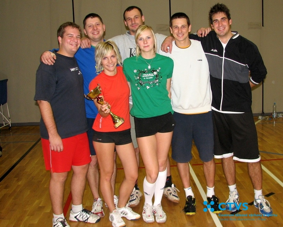 Volejbal v zimním semestru zakončen turnajem smíšených družstev