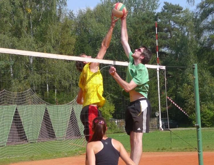 Týden plný zážitků, to je volejbalový kurz Svojšín