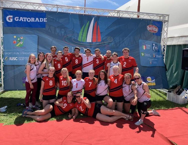 Volejbalisté VŠE reprezentovali na mezinárodním turnaji univerzit v Miláně